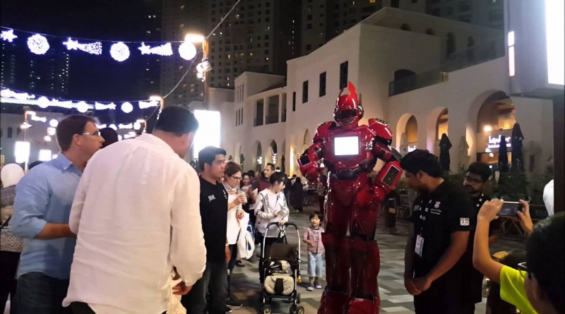 Giant Puppets and Robots at Dubai Canvas 3D Art Festival, JBR Dubai